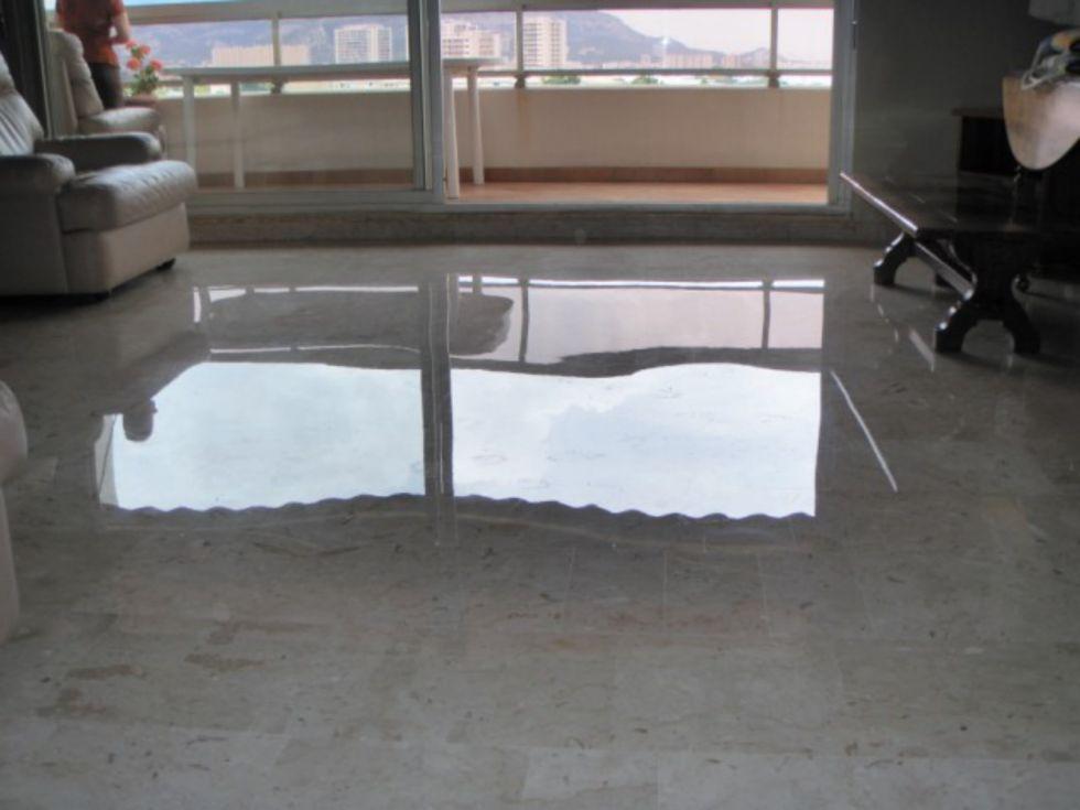 faire briller le marbre par cristallisation magic sols poncage marbre montepllier. Black Bedroom Furniture Sets. Home Design Ideas